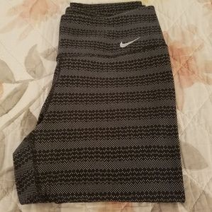 Nike Capri Cut Pants